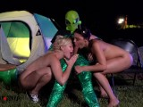 Hot College Girls Fucked By Alien Outside Area 51 – AmateurBoxxx