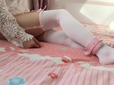 [呆萌橘子酱] 粉白条纹吊带襪